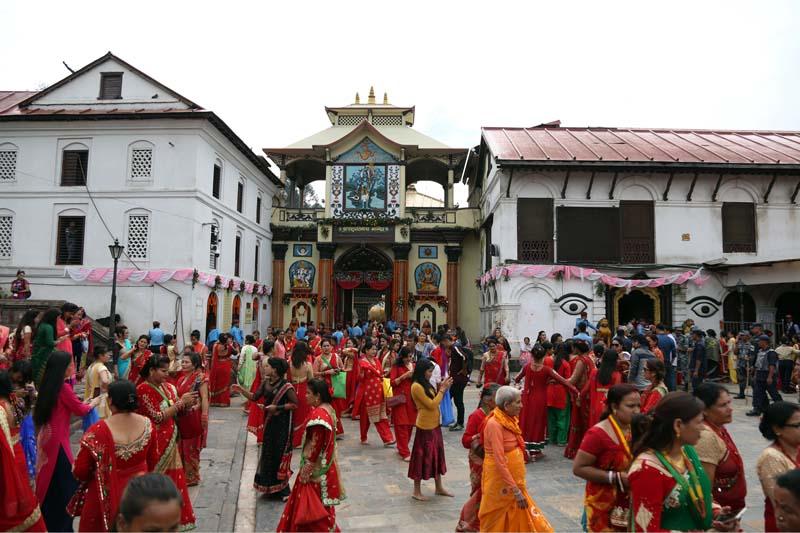 Hindu women throng the Pashupatinath Temple for Teej festival in Kathmandu, on September 4, 2016. Photo: RSS