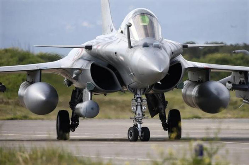File- A French Air Force Rafale fighter jet takes part in the close air support (CAS) exercise Serpentex 2016 hosted by France in the Mediterranean island of Corsica, at Solenzara air base, on March 16, 2016. Photo: Reuters