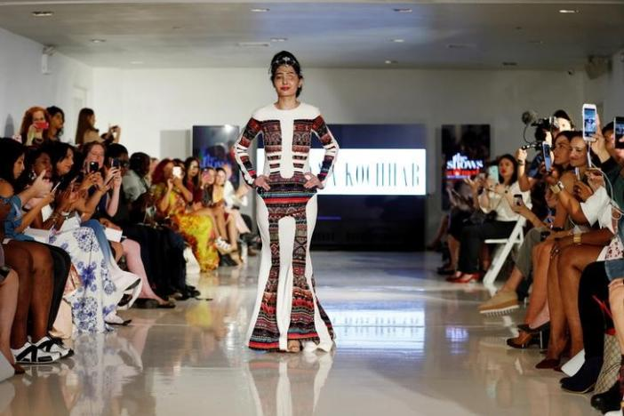 Indian model and acid attack survivor Reshma Quereshi presents a creation from Indian designer Archana Kochhar's Spring/Summer 2017 collection during New York Fashion Week in the Manhattan borough of New York, U.S., September 8, 2016.  REUTERS/Lucas Jackson