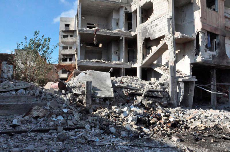 A general view shows the damage at a site of an explosion in Bab Tadmor in Homs, Syria in this handout picture provided by SANA on September 5, 2016. Photo: Reuters