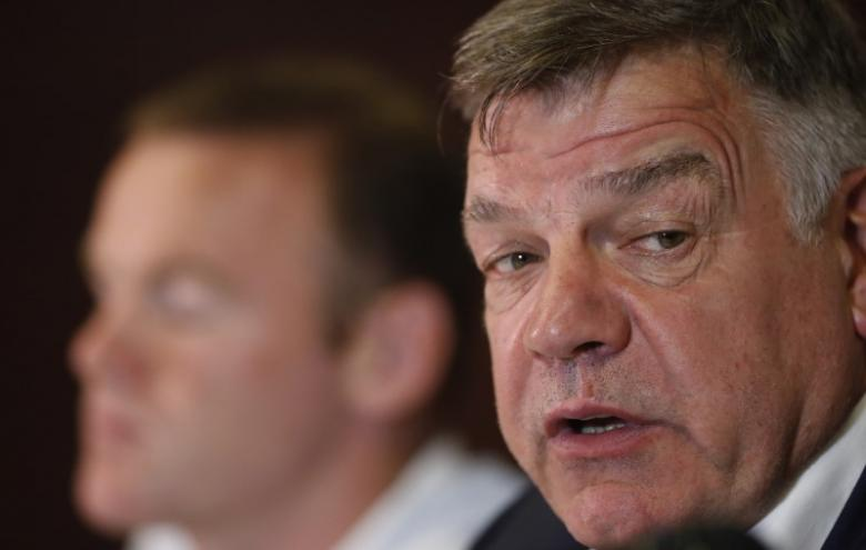 Football Soccer - England Press Conference - Holiday Inn, Trnava, Slovakia - 3/9/16nEngland manager Sam Allardyce and Wayne Rooney during the press conferencenAction Images via Reuters / Carl Recine/ Livepic/Files