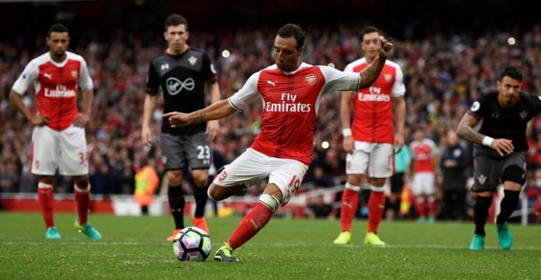 Britain Soccer Football - Arsenal v Southampton - Premier League - Emirates Stadium - 10/9/16nArsenal's Santi Cazorla scores their second goal from the penalty spot nReuters / Dylan MartineznLivepic