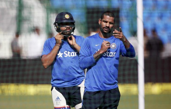 India's Shikhar Dhawan and Rohit Sharma (right) prepare to bat during a practice session ahead of their first one-day international cricket match against South Africa in Kanpur, India, October 10, 2015. Photo: Reuters/ File