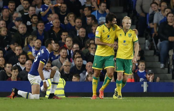 Britain Football Soccer - Everton v Norwich City - EFL Cup Third Round - Goodison Park - 20/9/16nNorwich City's Steven Naismith celebrates scoring their first goal with Nelson Oliveira nAction Images via Reuters / Ed SykesnLivepic