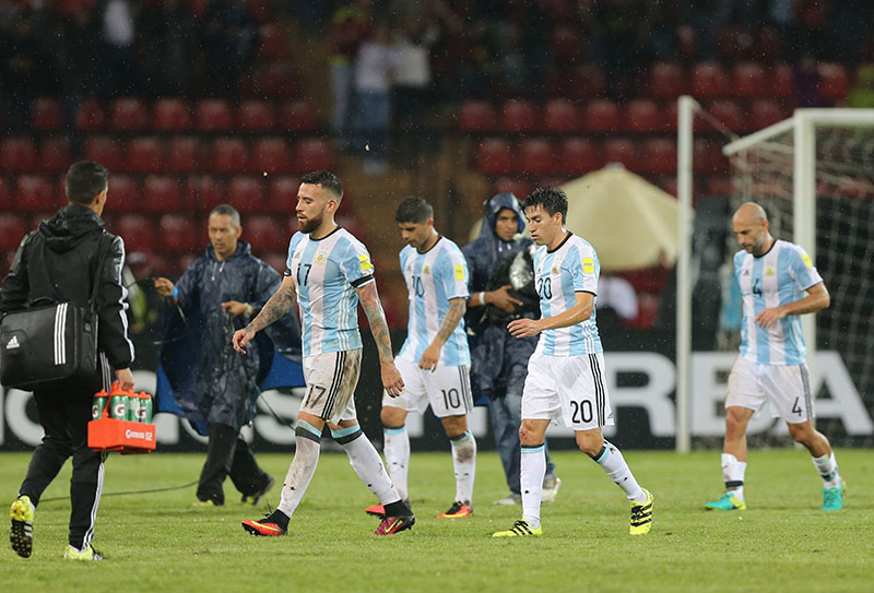 Argentina's players leave the field after a 2018 World Cup qualifying soccer match against Venezuela, in Merida, Venezuela, on Tuesday, September 6, 2016.Photo: AP