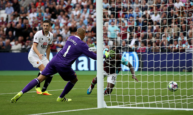 West Ham United's Michail Antonio (right) scores his side's second goal of the game during their English Premier League soccer match against Watford at the London Stadium, London, on Saturday, September 10, 2016. Photo: Nick Potts/PA via AP