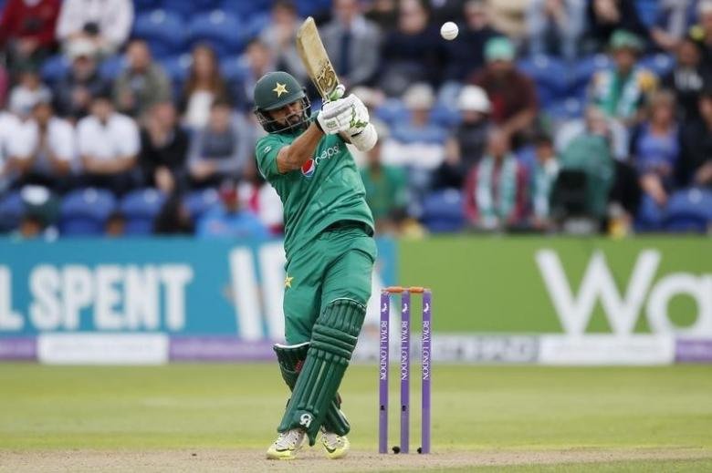 Britain Cricket - England v Pakistan - Fifth One Day International - SSE SWALEC, Cardiff, Wales - 4/9/16nPakistan's Azhar Ali in actionnAction Images via Reuters / Paul ChildsnLivepic