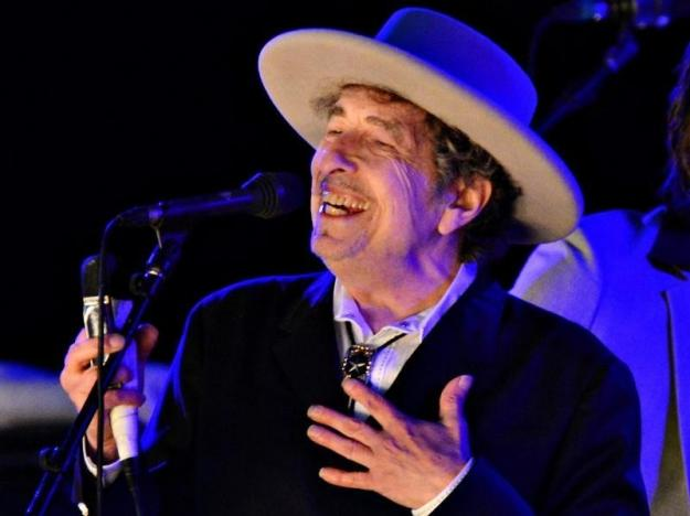 U.S. musician Bob Dylan performs during on day 2 of The Hop Festival in Paddock Wood, Kent on June 30th 2012. REUTERS/Ki Price/File photo