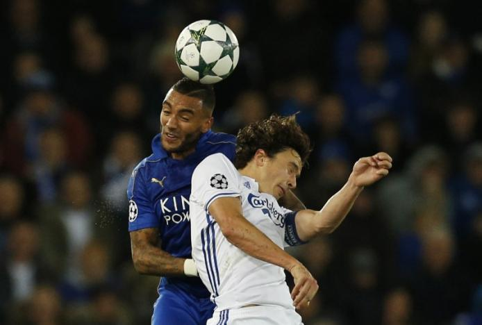 Britain Soccer Football - Leicester City v FC Copenhagen - UEFA Champions League Group Stage - Group G - King Power Stadium, Leicester, England - 18/10/16nLeicester City's Danny Simpson in action with FC Copenhagen's Thomas Delaney nAction Images via Reuters / Andrew BoyersnLivepic