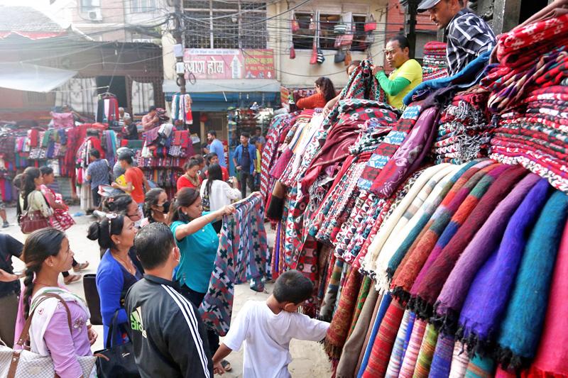 Consumers throng Ason for Dashain shopping, in Kathmandu, on Thursday, October 6, 2016. Photo: RSS