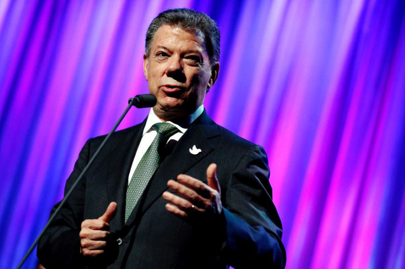 Colombia's President Juan Manuel Santos speaks to guests after receiving the Clinton Global Citizen Award in New York, US, on September 19, 2016. Photo: Reuters