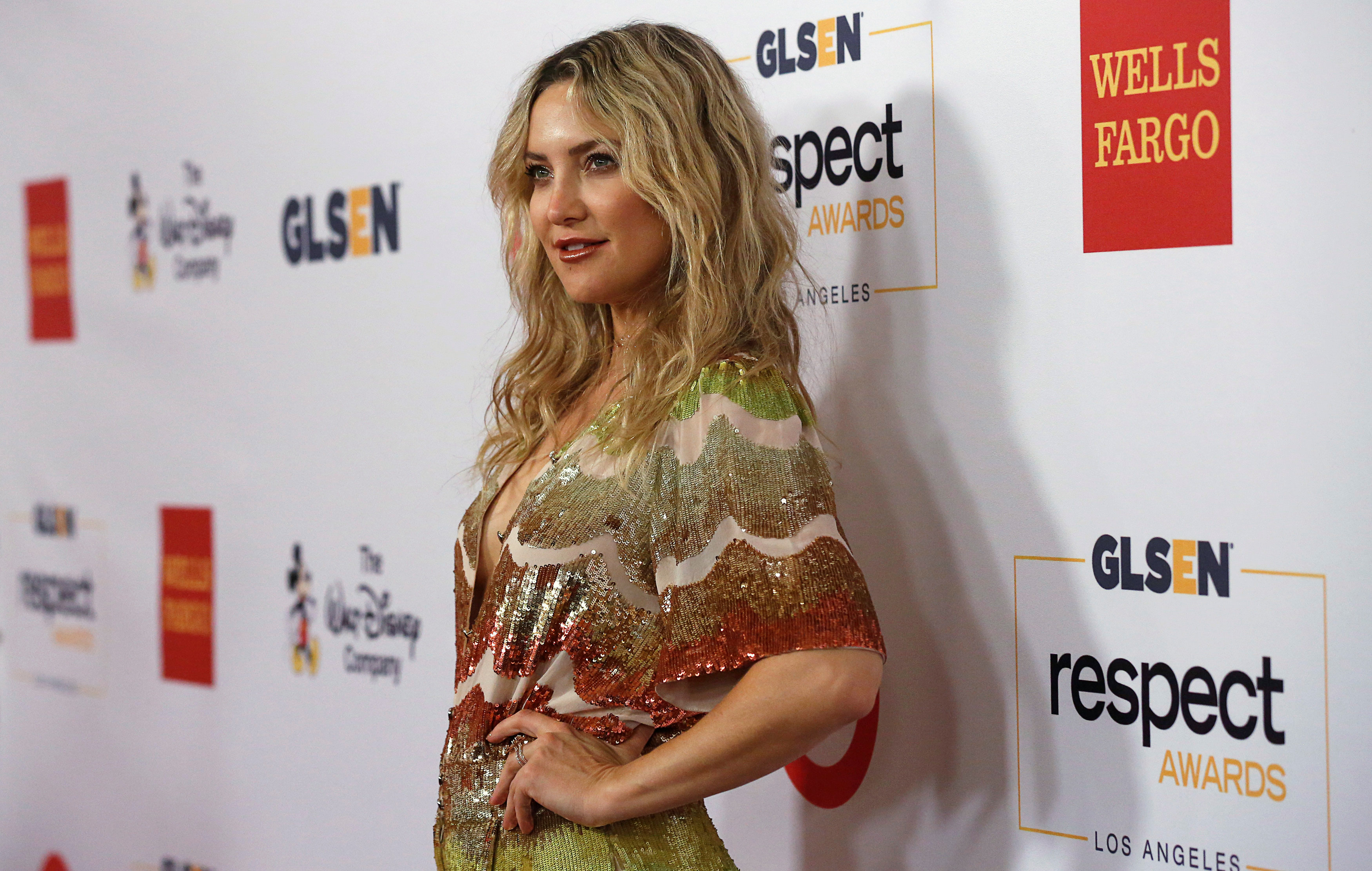 Actor and honoree Kate Hudson poses at the 2016 GLSEN Respect Awards u00d0 Los Angeles at the Beverly Wilshire hotel in Beverly Hills, California U.S., October 21, 2016.   REUTERS/Mario Anzuoni