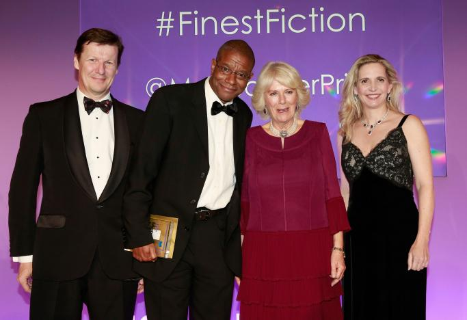 (L-R) Luke Ellis, Winner of the 2016 Man Booker Prize for his novel 'The Sellout', Paul Beatty, Camilla, Duchess of Cornwall and Dr Amanda Foreman attend the 2016 Man Booker Prize at The Guildhall on October 25, 2016 in London, England.  REUTERS/John Phillips/Pool