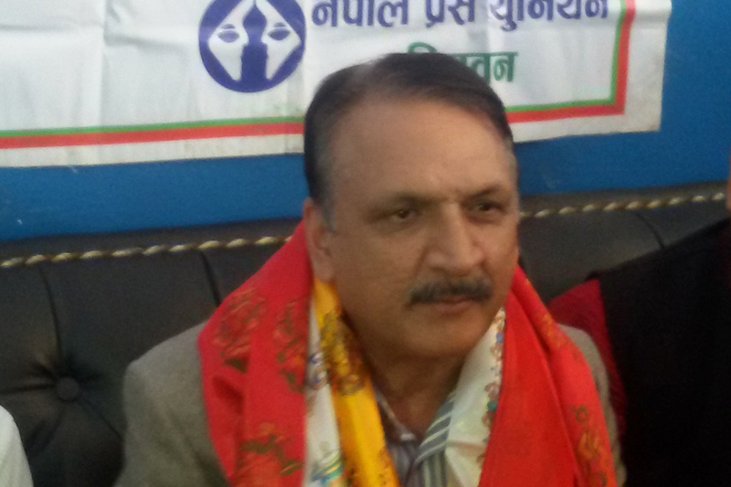 Minister for Foreign Affairs and Nepali Congress leader Prakash Sharan Mahat talks with journalists in Chitwan, on Saturday, October 29, 2016. Photo: RSS