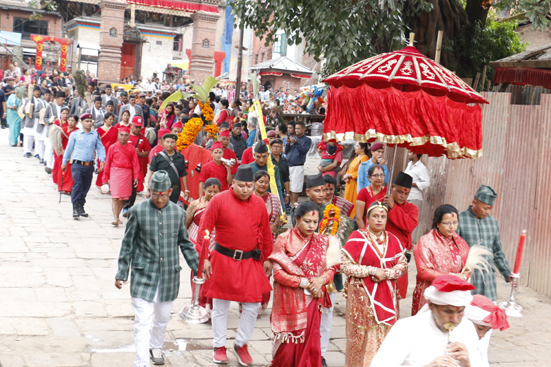 Phulpati, a collection of holy leaves and plants, is being taken to the Dashain Ghar of Basantapur, in Kathmandu, on the seventh day of Badadashain, Saturday, October 8, 2016. Photo: RSS