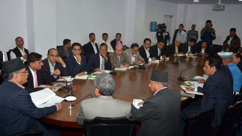 Prime Minister Pushpa Kamal Dahal addresses a joint meeting of secretaries and officers of various ministries at Singha Durbar in Kathmandu,  on Monday, October 24, 2016. Photo: PM's Secretariat