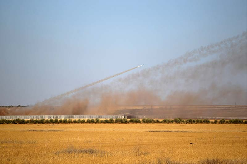 Rockets are launched from Turkey towards Islamic State controlled areas in northern Aleppo countryside, Syria on September 30, 2016. Photo: Reuters