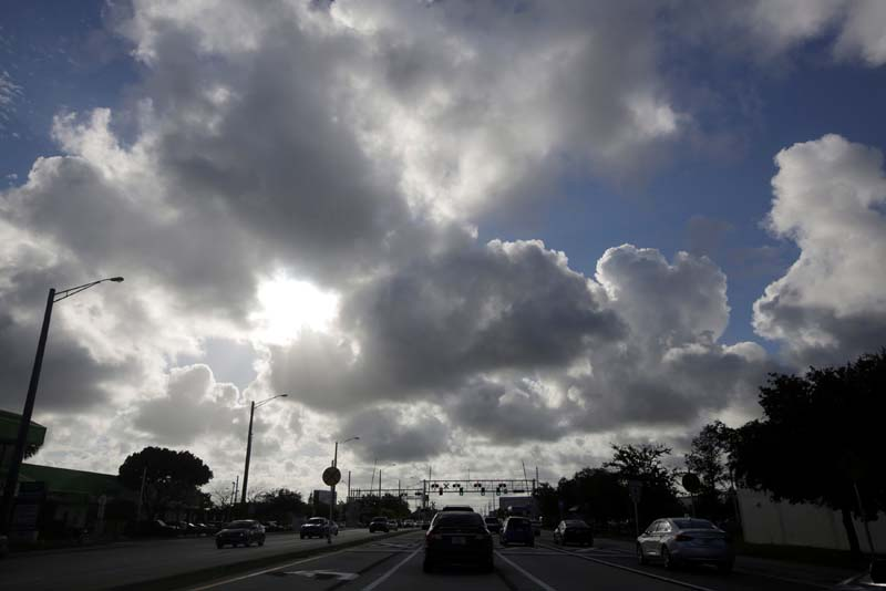 Cars are seen along Deerfield beach near Coral Springs while Hurricane Matthew approaches in Florida, US, on Wednesday, October 5, 2016. Photo: Reuters