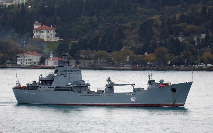 The Russian Navy's landing ship Nikolai Filchenkov sails in the Bosphorus, on its way to the Mediterranean Sea, in Istanbul, Turkey, October 18, 2016. REUTERS/Murad Sezer