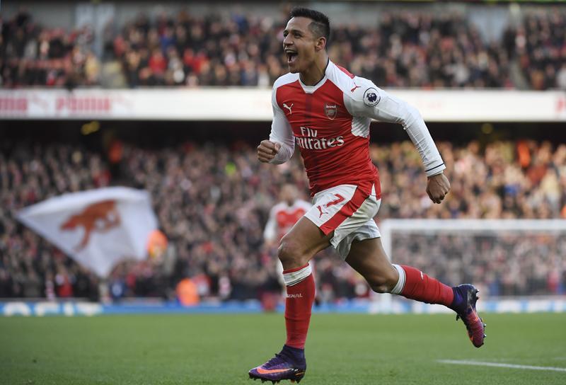 Arsenal's Alexis Sanchez celebrates scoring their first goal. Photo: Reuters