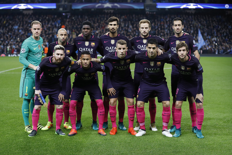 Barcelona team group before the matchn. Photo: Reuters
