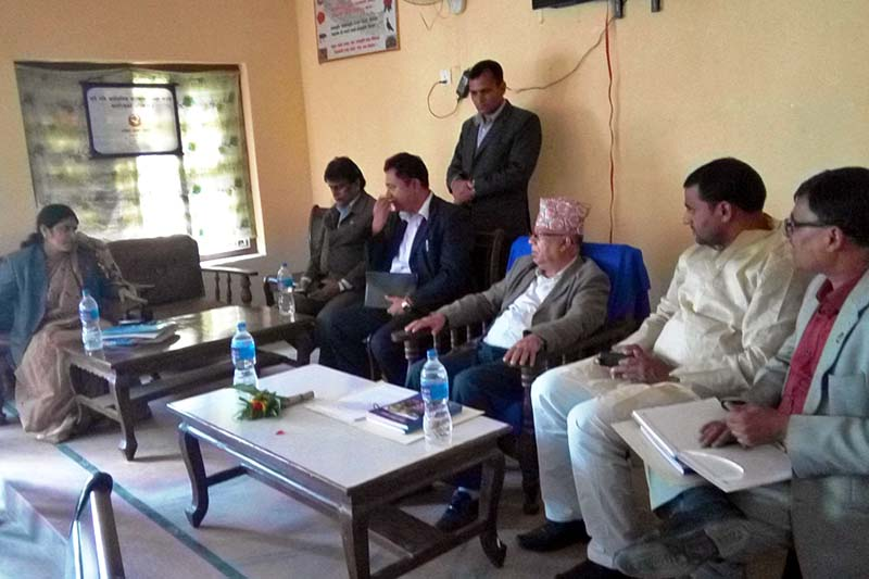 CPN-UML leader Madhav Kumar Nepal in a meeting with District Development Committee officials in Gaur, the district headquarters of Rautahat, on Tuesday, November 15, 2016. Photo: Prabhat Kumar Jha/THT