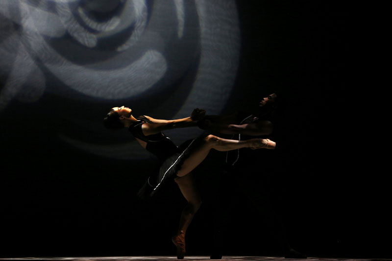 Dancers perform during the opening of the 25th International Ballet Festival of Havana, in Havana October 28, 2016. Photo: REUTERS