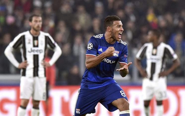 Football Soccer - Juventus v Olympique Lyon - UEFA Champions League Group Stage - Group H - Juventus stadium - Turin, Italy - 2/11/16. Olympique Lyon's Corentin Tolisso celebrates after scoring first goal.        REUTERS/ Giorgio Perottino