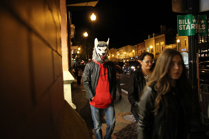 A man wears Wolf Mask during a celebration of Halloween night, in Georgetown, Washington DC, USA, on November 1, 2016. Photo: RSS