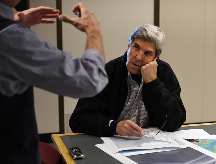 U.S. Secretary of State John Kerry (R) talks with scientist Dr John Snow about the increased movement of icebergs across Antarctica, at the Crary Science Center, McMurdo Station in Antarctica on November 12, 2016REUTERS/Mark Ralston/Pool