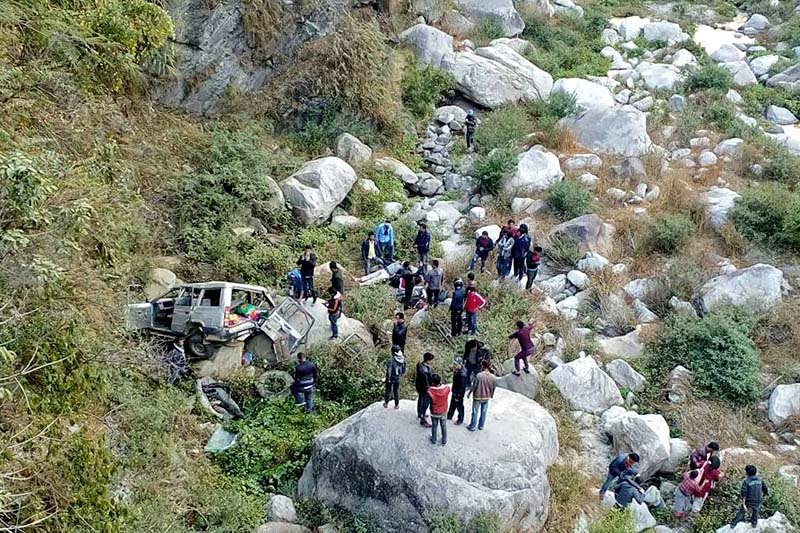 The Kathmandu-bound jeep (Na 1 Ja 2958) is seen after it met with an accident at Kulekhani-6 on Tuesday, November 29, 2016. Photo: Prakash Dahal/THT