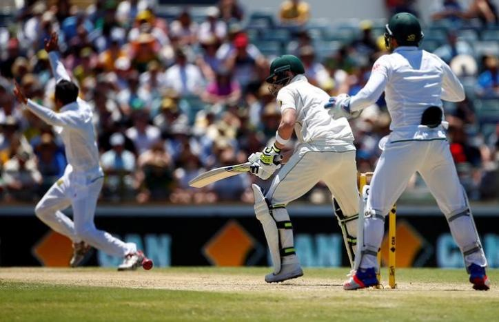 Cricket - Australia v South Africa - First Test cricket match - WACA Ground, Perth, Australia - 4/11/16 Australia's captain Steve Smith reacts as South Africa's Keshav Maharaj appeals successfully for LBW at the WACA Ground in Perth.    REUTERS/David Gray