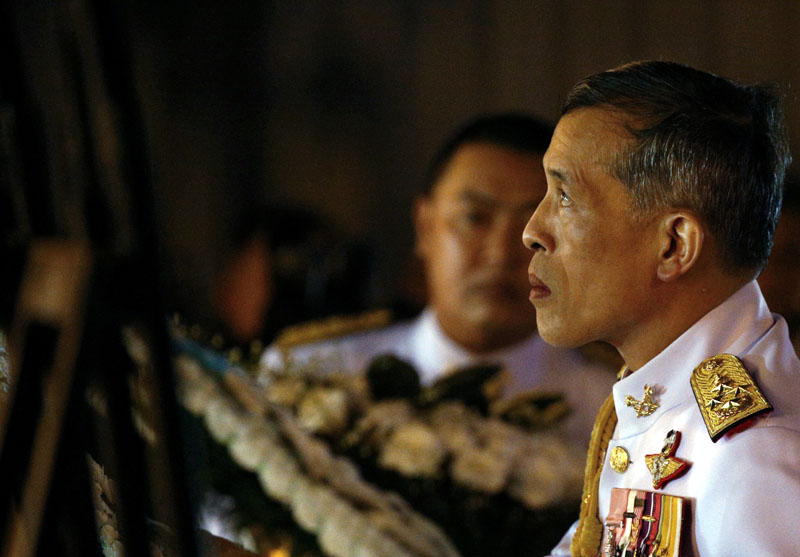 Thailand's Crown Prince Maha Vajiralongkorn attends an event commemorating the death of King Chulalongkorn, known as King Rama V, as he joins people during the mourning of his father, the late King Bhumibol Adulyadej, at the Royal Plaza in Bangkok, Thailand, on October 23, 2016. Photo: Reuters