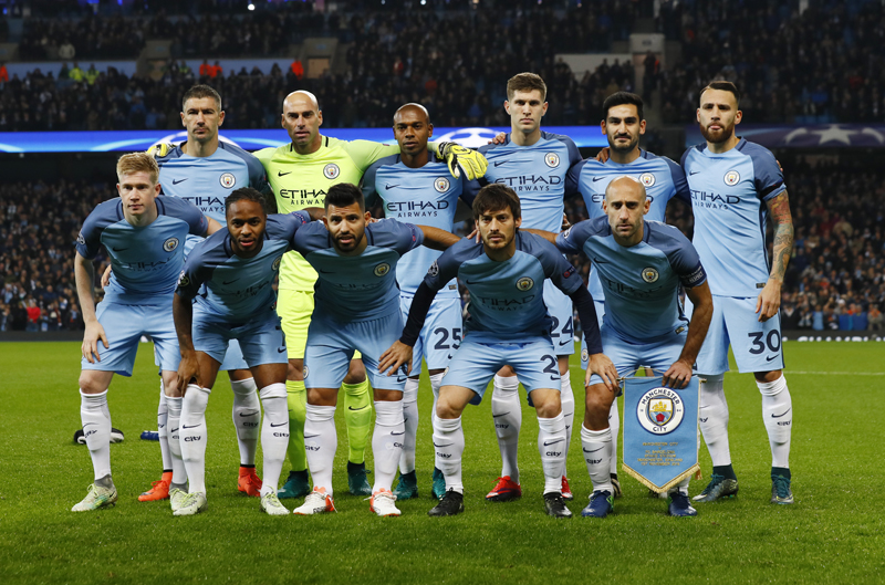 Manchester City team group before the matchn. Photo: Reuters