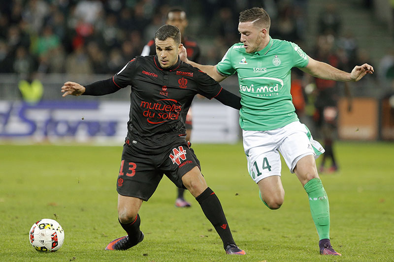 Nice's Valentin Eysseric (left) challenges for the ball with Saint-Etienne's Jordan Veretout, during their French League One soccer match in Saint-Etienne, central France, on Sunday, November 20, 2016. Photo: AP