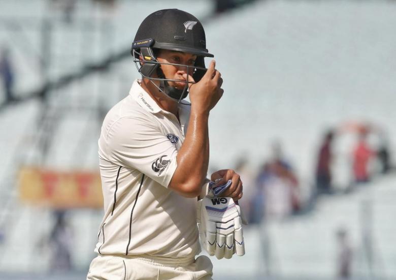 Cricket - India v New Zealand - Second Test cricket match - Eden Gardens, Kolkata, India - 03/10/2016. New Zealand's Ross Taylor walks of the field after his dismissal. REUTERS/Rupak De Chowdhuri/File Photo