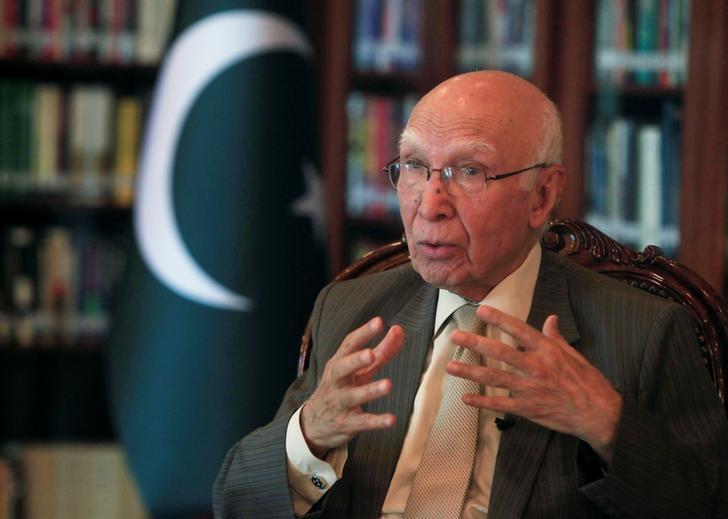 Sartaj Aziz speaks during an interview with Reuters in Islamabad, Pakistan July 1, 2016. REUTERS/Faisal Mahmood/Files