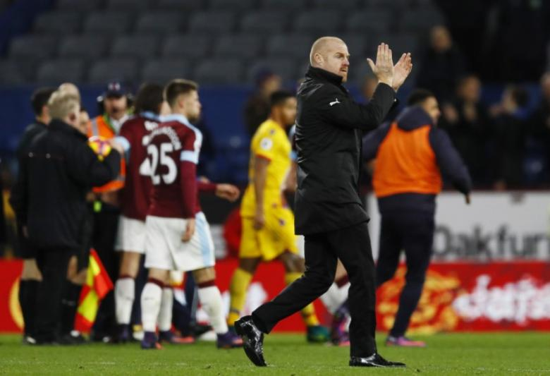 Britain Football Soccer - Burnley v Crystal Palace - Premier League - Turf Moor - 5/11/16 Burnley manager Sean Dyche celebrates after the game  Action Images via Reuters / Jason Cairnduff Livepic