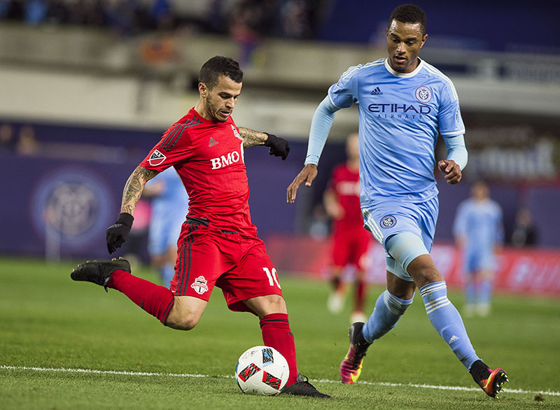 Toronto FC Sebastian Giovinco (10), left scores his third goal during a MLS second leg eastern semifinals soccer match against New York City FC in New York, on Sunday, November 6, 2016. Photo: AP