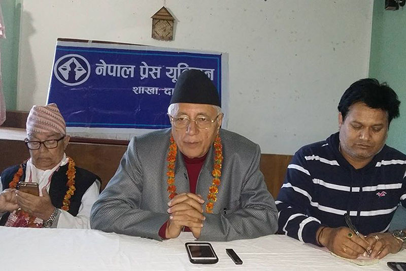 Nepali Congress leader Dr Shekhar Koirala addressing a press meet organised by Nepal Press Union, in Dang, on Tuesday, November 22, 2016. Photo: RSS
