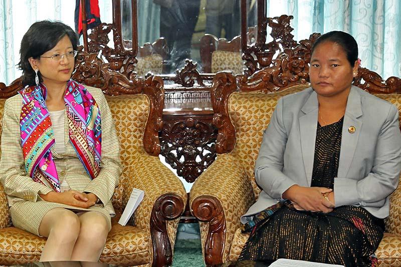 Speaker Onsari Gharti Magar in a meeting with Chinese Ambassador to Nepal Yu Hong, in Kathmandu, on Wednesday, November 30, 2016. Photo: Speakeru2019s Secretariat