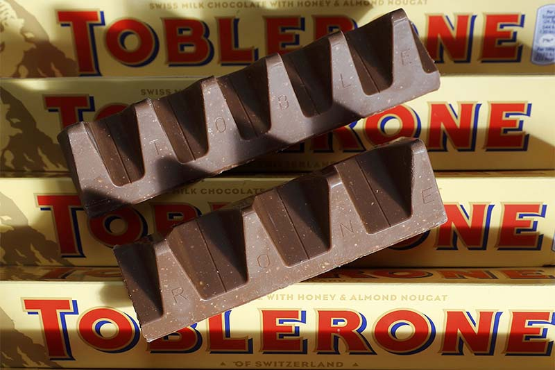 150g and 170g bars of Toblerone chocolate are illustrated in Loughborough, Britain, on November 8, 2016. Photo: Reuters