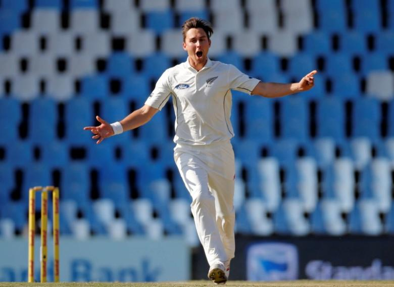 Cricket - New Zealand v South Africa - second cricket test match - Centurion Park, Centurion, South Africa - 29/8/2016. New Zealand's Trent Boult celebrates bowling out South Africa's Faf du Plessis. REUTERS/Siphiwe Sibeko  nPicture Supplied by Action Images