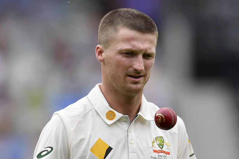 Australia's Jackson Bird prepares to bowls against Pakistan on the second day of the second cricket test in Melbourne, Tuesday, Dec. 27, 2016. Photo: AP
