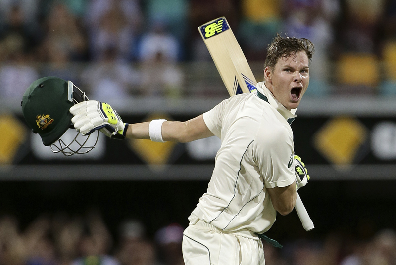 Australia's Steve Smith reacts as he celebrates after scoring a century during play on day one of the first cricket test between Australia and Pakistan in Brisbane, Australia, Thursday, Dec. 15, 2016. Photo: AP