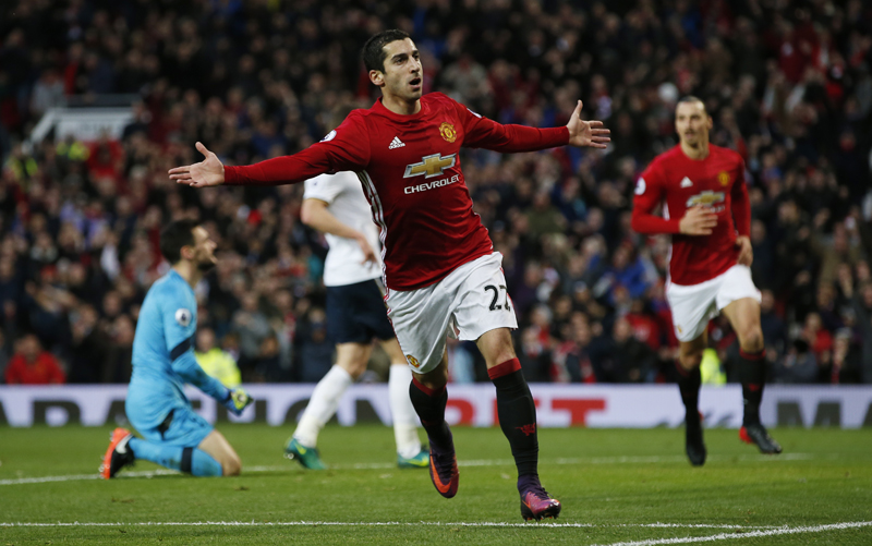 Manchester United's Henrikh Mkhitaryan celebrates scoring their first goal. Photo: Reuters