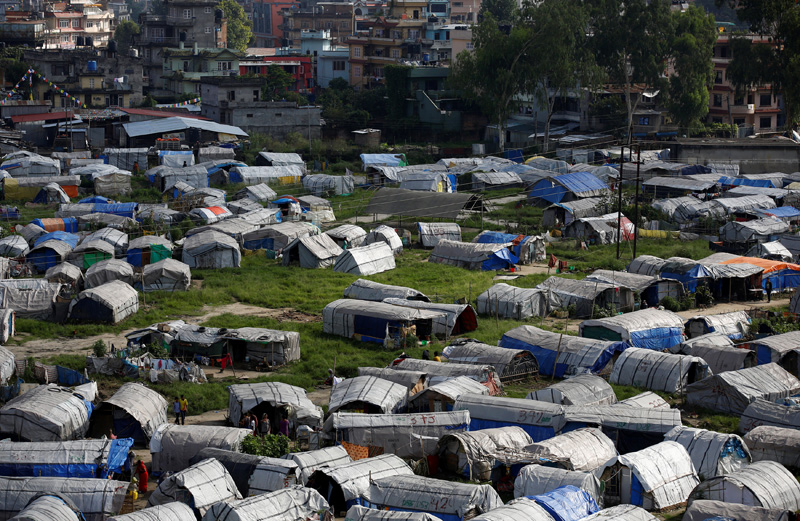 Makeshift shelters are pictured inside the displacement camps for earthquake victims at Chuchepati in Kathmandu, Nepal, September 19, 2016. Photo: Reuters