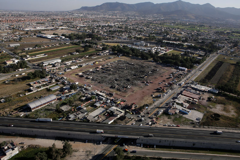 An aerial view shows the San Pablito fireworks market after an explosion in Tultepec, Mexico, on December 21, 2016. Photo: Reuters