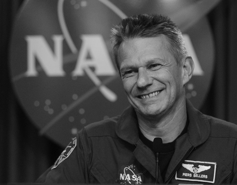 FILE - British born US Astronaut Piers Sellers talks with reporters following the safe return the space shuttle Discovery at the Kennedy Space Center in Cape Canaveral, Florida, on July 17, 2006. Sellers, a climate scientist and former astronaut died Friday, Dec. 23, 2016. He was 61. Photo: AP