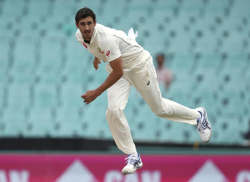 Australia's Mitchell Starc follows through while bowling to Pakistan during their cricket test match in Sydney, Australia, Thursday, Jan. 5, 2017. Photo: AP